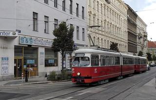 Wiener Linien   E1 4548 + c4 1372   49-es villamos   ➜ Ring, Volkstheater U