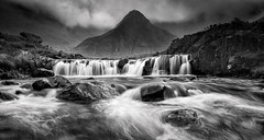 Fairy Pools (Des Daly) Tags: fairy faery pool skye waterfall motion rocks mountain river brittle