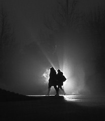 Cold Night (CoolMcFlash) Tags: night silhouette people light fog foggy autumn streetphotography street walking vienna canon eos 60d nacht kontur person licht nebel nebelig fall herbst gehen wien candid fotografie photography tamron a007 2470 winter cold kalt bw sw blackwhite schwarzweis monochrome