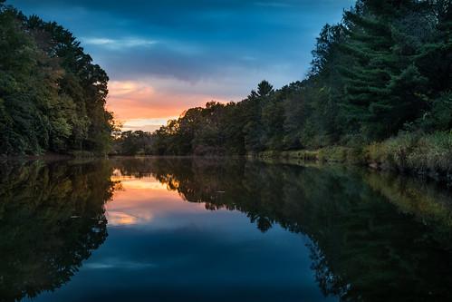 canoneos5dmarkiv ef24105mmf4lisusm pine river rio sunset atardecer reflections mi michigan chippewa natue center warm fall 2017 boatlaunch midmichigan breakday evening tardes