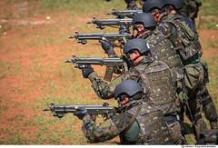 Forças Especiais (Força Aérea Brasileira - Página Oficial) Tags: 2015 adestramento brazilianairforce estandedetiro fab forcasespeciais forçaaéreabrasileira fotojohnsonbarros interoperabilidade goiânia goiás brasil