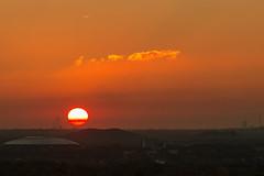 Sonnenuntergang hinter der Halde Mottbruch in Gladbeck (dg3yjb) Tags: goldeneroktober 2017 sonnenuntergang haldehoheward haldemottbruch