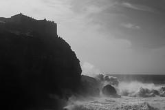 people & waves (pidi2222) Tags: nazare wave bigwave surf sonynex sony nex rokkor minolta vintagelense blackwhite black white nature rock beach atlantic sea people watching vacation
