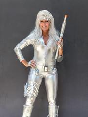 Cosplayer, Janet (J Wells S) Tags: janet cosplayer rifle gun smile wig streetshot prettywoman makeup costume cosplay dressup cincinnaticomicexpo dukeenergycenter cincinnati ohio portrait comicon