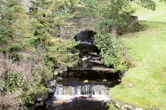 Bow Bridge (Kingsley_Allison) Tags: packhorse packhorsebridge bridge beck river route yorkshire yorkshiredales pannier nikon northyorkshire nikond7200 d7200