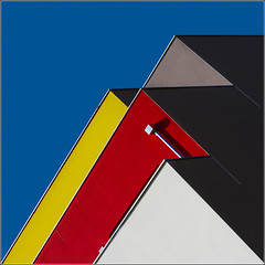 Rennes - Sorry Mondrian (Hervé Marchand) Tags: 2017 rennes architecture details diagonal red blue yellow black urbain minimal