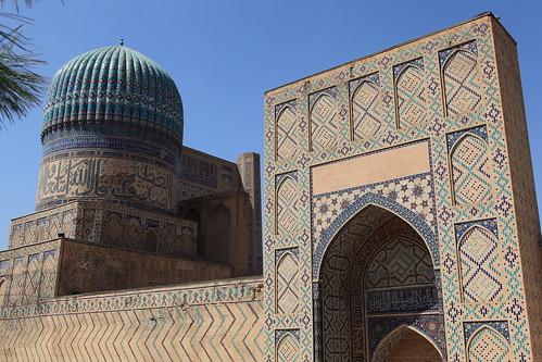 Mezquita Bibi-Khonum.  Samarcanda, Uzbequistán.
