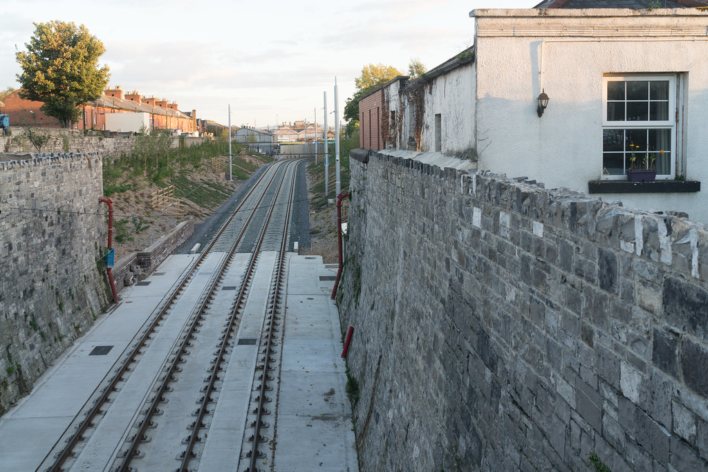 THE NEW LUAS TRAM STOP AT PHIBSBOROUGH [LOOKING BACK TO THE GRANGEGORMAN STOP]-133107