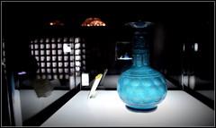pâle et flou dans sa vitrine... (Save planet Earth !) Tags: téhéran iran muséeduverre travel amcc nikon muséeabgineh voyage