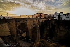 amanecer en el Puente Nuevo de Ronda (pedrojateruel) Tags: ronda puente nuevo málaga andalucía amanecer nubes