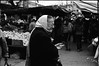 09062017-retro400_109 (Felipe Cornejo Oyarce) Tags: old oldwoman granma third age canon f1 rollei retro 400s 400 s rolleiretro400s retro400s journalism reportaje feria ferias libre libres ñuñoa los alerces junio 2017 urban photography film filmphotography 50mm canonfd50mmf14ssc ssc super spectra coating superspectracoated superspectracoating coated fotografia analogica analoga argentica