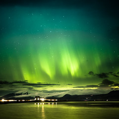 Iceland show by night (Zeeyolq Photography) Tags: water iceland sky night islande auroraborealis mountains northernlights vesturland