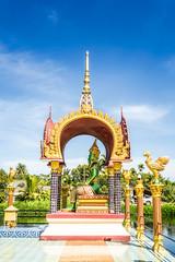 Wat Plai Laem (Koh Samui) (BBQMaster_CGN) Tags: gold mark3 markiii 5d canon 1740 1740mm weitwinkel thai thailand statue religion tempelanlage tempel rot wat plai laem koh samui