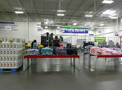 ...the new location for Club Pickup (l_dawg2000) Tags: 2017remodel apparel café desotocounty electronics food gasstation meats mississippi ms pharmacy photocenter remodel samsclub southaven tires walmart wholesaleclub unitedstates usa