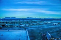 Dawn@YVR (Per@vicbcca) Tags: yvr vancouver airport dawn canon eos20d topaz britishcolumbia canada