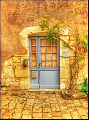 The blue door... (Sherrianne100) Tags: ivy bluedoor doorway door blayefrance france