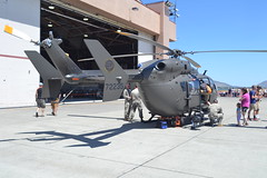 12-72235 (LAXSPOTTER97) Tags: airport aviation klmt 2017 sentry eagle open house airshow kingsley field oregon army national guard 1272235 eurocopter uh72a lakota united states cn 9521 ln luh235