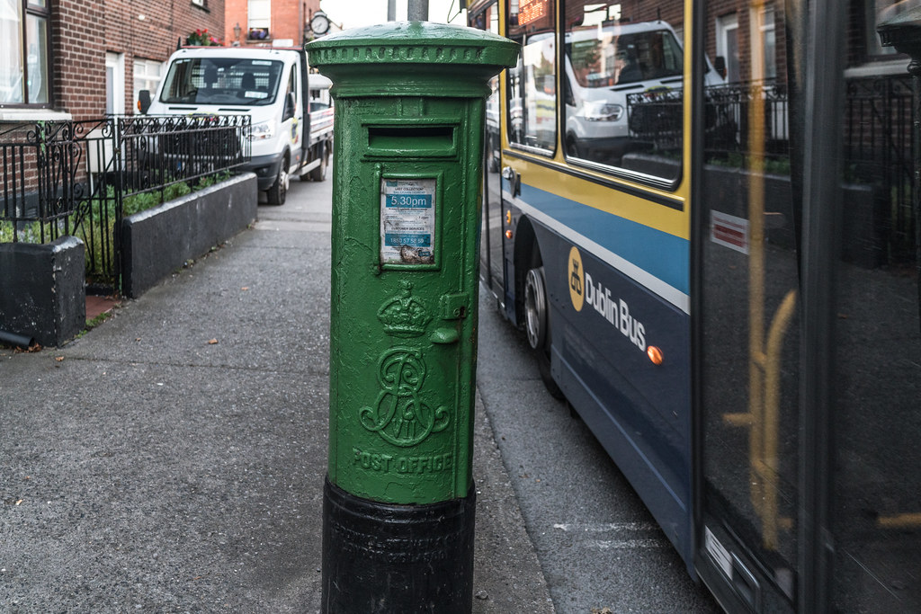 OLD BRITISH PILLAR STYLE POST BOX [PAINTED GREEN BECAUSE IT IS IN PHIBSBORO]-133284