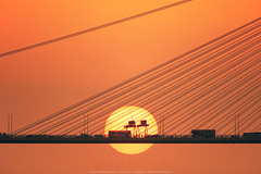 Ting Kau Bridge, Hong Kong (mikemikecat) Tags: sunset dusk 夕焼け 夕空 黃昏 colorful landscape magicmoment hongkong mikemikecat tamron sp 500mm f8 macro 13 55bb reflex lens sonya7r 汀九橋 日落