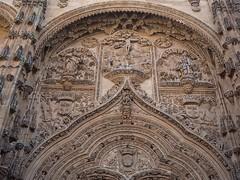 P9060384 (simonrwilkinson) Tags: salamanca castileandleón spain exterior gothic doorway portal west