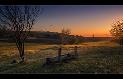 Abendrot (p h o t o . w o r l d s) Tags: abendrot eveninglight eveningsun autumlight beautifullight seebenerberge fujixt10 7artisans25mmf18 photoworlds