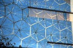 Conçu par Buckminster Fuller (Designed by Buckminster Fuller) (JB by the Sea) Tags: montreal montréal quebec québec canada september2017 urban publicart videoinstallation expo67live quartierdesspectacles placedesarts nationalfilmboardofcanada expo67