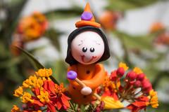 365-303 (Letua) Tags: halloween macromondays brujita flor flores flower flowers naranja orange witch