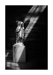 Luz Redentora... (protsalke) Tags: light monochromatic shadows museum merida emeritaaugusta statue estatua romanart arteromano spain nikon oldtimes ancient roman art iconic contrast blackandwhite byn bw estatuas museo