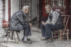 old boys young heart (murtica27) Tags: china asia asien hefei sanhe anhui travel old world menschen mann boy people street strase outdoor reise chinese town city tradition blue land countryside market talk leute friend sony alpha