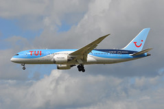 'BY4AP' (BY4631) ALC-LGW (A380spotter) Tags: approach arrival landing finals shortfinals threshold boeing 787 8 800 dreamliner™ dreamliner gtuic dreammaker tui colours scheme thomson thomsonairwaysltd tom by by4ap by4631 alclgw runway26l 26l london gatwick egkk lgw