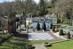 Gardens of Portmeirion, Wales (Great Britain) (Esther Spektor - Thanks for 12+millions views..) Tags: portmeirion great britain snowdonia wales archtecture buliding plant chessboard estherspektor canon