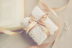 when you are looking for JOY, you will always find them in your GRATITUDE (Ayeshadows) Tags: littlejoys lanas hilo cintas theme still life gratitude small gifts surprises pleasure ribbon tie wool