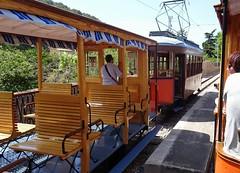 2016-06-05 49 Mallorca, Port de Sôller, historische Strassenbahn (kaianderkiste) Tags: mallorca portdesoller strassenbahn tram trolleycar alt retro bahn zug historisch history