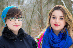 Jana & Malika (Dennis Seiter) Tags: portrait porträt bild menschen people winter sister girl girls woman