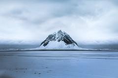 Isolation (Amsel Alejandro) Tags: icelandic ice trip landscape mountain montaña sky cloud cielo amsel alej shore sand snow water blue