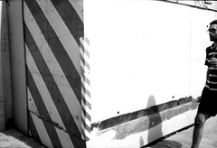 part of me died (cHr1st1an S images) Tags: konicac35ef konicac35 konica35ef konica35 konicaef konica35mm film negative negativefilm bianco nero black white biancoenero blackwhite bw rodinal rodinalsemistand semistand 35mm film35mm nophotoshop 35mmfilm confused man boy people bird birds light bokeh blur natural sunlight dream dreaming hair misty wind adumbrations adumbration waves storm murales graffiti poster posters art streetart shadows fresh drama wave streetphotography street city soho malaga andalucia spain flickr chr1st1ans christiansorrentino