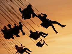 Sunset fun (*Kicki*) Tags: sunset fun grönalund grönan amusementpark people silhouettes sky stockholm sweden djurgården action motion movement swing funfair nöjesfält kirmes