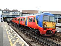 A South West Trains Class 456, Clapham Junction, London (Steve Hobson) Tags: south west trains swt clapham junction london class 456 emu