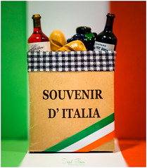 Italian with a French twist (Inky-NL) Tags: italië macromondays souvenir italian french flag hmm macro souvenirs magnet fridgemagnet fuji60mmf24 fujixt2 twist italy food wine explore inexplore explore17102017