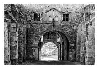 PUERTA DE LA COLADA ( Ciudad -Rodrigo ,Salamanca,España )Una de las 7 puertas de la muralla de  la ciudad del S XII