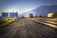 BNSF 6722 waiting near Route 66 - California - USA (R.Smrekar-CH) Tags: perspektive railroad railway route66 california 000100 d750 smrekar usa