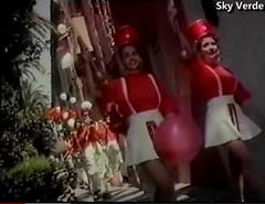 Comercial 100 años de McKay (1992) (hernánpatriciovegaberardi (1)) Tags: comercial galletas mckay más ricas no hay 100 años 1992 🍪 tiernas chicas piernas ❤ desfile