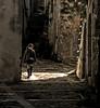 nel bel mezzo della storia (pannaphotos aka Anna Leporati Serrao) Tags: bambina camminare percorrere luce ombra crescere