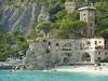 P1310642 (Dr. Fieldgood) Tags: monterosso cinque terre italy italia sea mountains montagna
