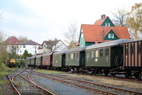 HC: Zug des Hessencourrier in Naumburg (Bz. Kassel)