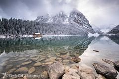 First Snows (Sònia CM) Tags: landscape longexposure largaexposicion llargaexposicio lake canada lakelouise louise rocks reflections reflejos sky snow clouds cloudy alberta rocky rockymountains fuji fujifilm fujixt2 fujifilmxt2 1024 fujinon fujinon1024 flickrtravelaward