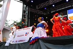 Panasonic FZ1000, Dancing, Place des Festivals, Montréal, 5 August 2017   (55) (proacguy1) Tags: panasonicfz1000 dancing placedesfestivals montréal 5august2017