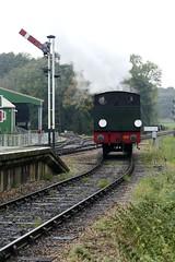 Running round again (Elsie esq.) Tags: 060st hunslet isleofwight locomotive railway saddletank tanklocomotive