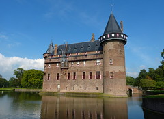 De Haar Castle (joeke pieters) Tags: 1360152 panasonicdmcfz150 dehaar kasteel castle haarzuilens utrecht nederland netherlands holland reflections platinumheartaward