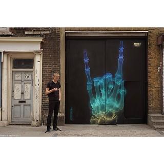 London fresh frame gem - loved this @shok_1 X-ray piece painted just off Brick Lane, London - shot in 2015. #wallkandy #shok1 #xray #mutal #spray #fb #f #t #p #streetart #graffiti #art